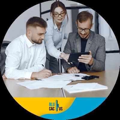 BluCactus - marketing digital para empresas - personas trabajando